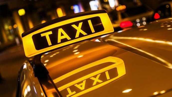 Родители забыли новорожденного ребенка в такси