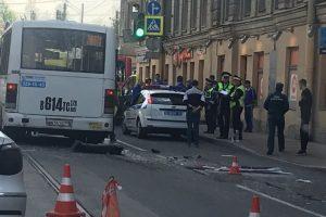 Девять человек пострадали при столкновении двух маршруток