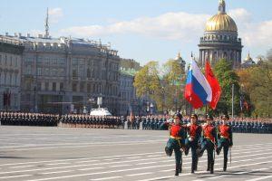 В Петербурге начался военный парад