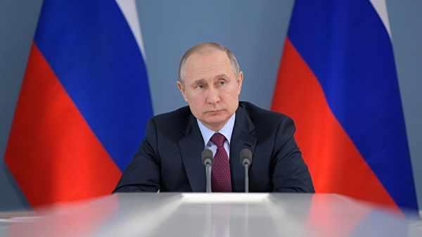 Путин подписал закон о допуске родственников в реанимацию