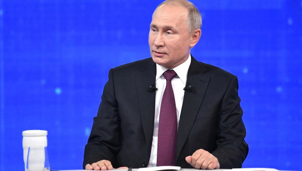 Путин: Семьям с детьми от 1,5 до 3 лет будут выплачивать пособие в размере 10-11 тысяч рублей