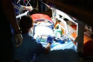 Спецборт МЧС доставил в Петербург двух тяжелобольных детей
