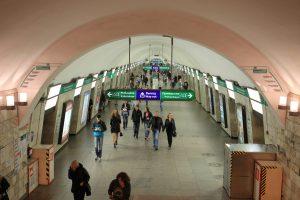 Неисправный поезд на полчаса остановил движение по «оранжевой» ветке
