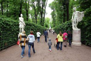 Петербург оказался одним из лучших городов России для прогулок