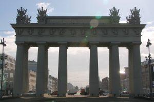 Триумфальные ворота на Московском отреставрируют в 2020 году