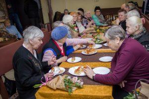 Кафе «ДоброДомик», в котором бесплатно кормят пенсионеров, снова открылось