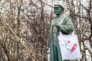 Две трети россиян используют пластиковые пакеты при походах в магазин