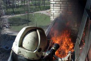 В Шушарах горели балконы на двух этажах дома