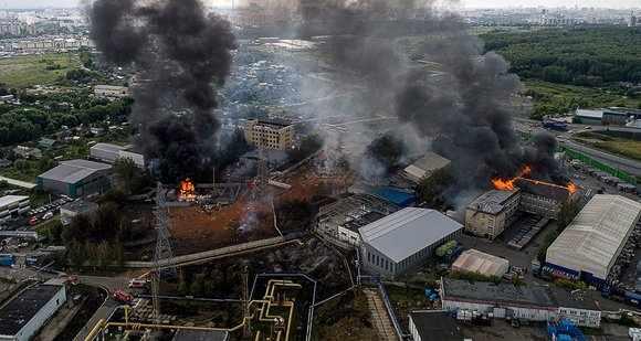 Один человек погиб и 13 пострадали при пожаре в Мытищах