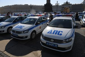 В Петербурге полицейские доставили в роддом женщину на сносях