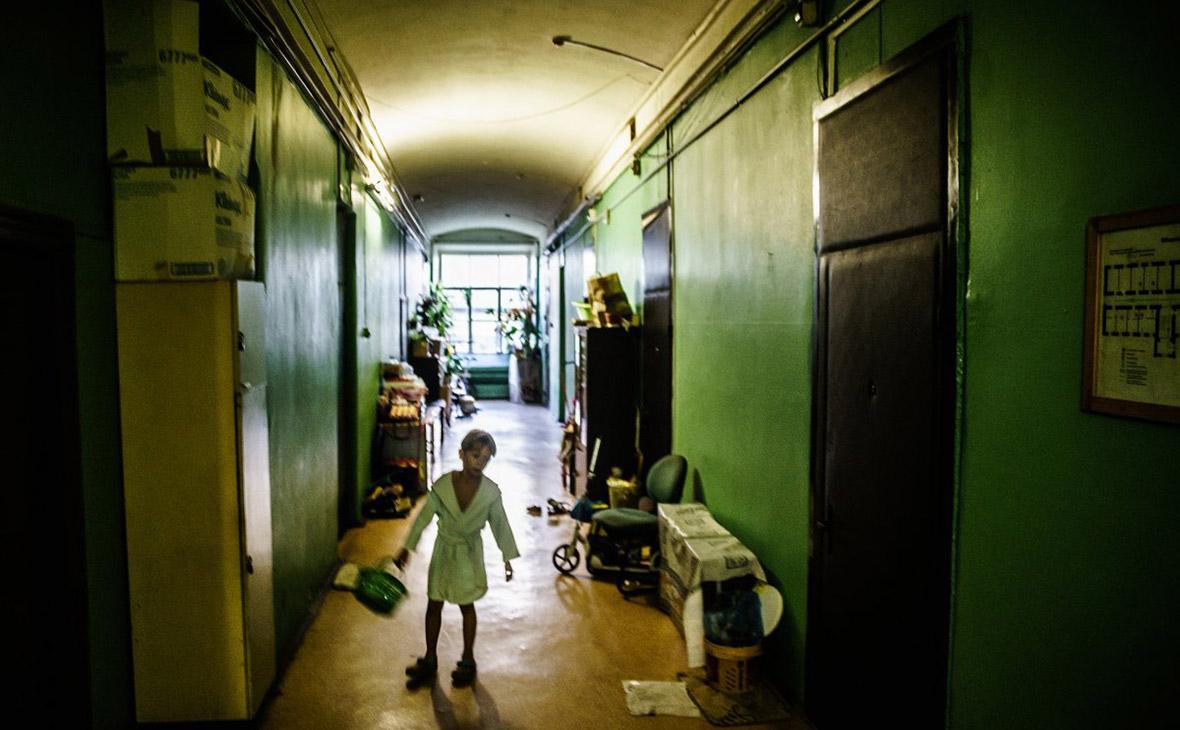 Четверть детей в России оказались за чертой бедности
