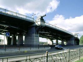 С субботы движение по Ушаковской развязке ограничат из-за ремонта