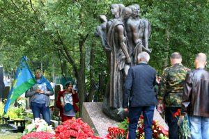 Год до юбилея: Петербург отметил день ВДВ