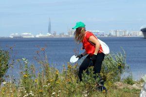 Чистота по-петербургски: волонтёры прибрали Канонерский остров