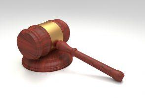 В Петербурге будут судить экс-главу юридического комитетa Смольного