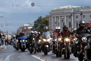 Стальная река: по городу проехали участники мотофестиваля Harley Days