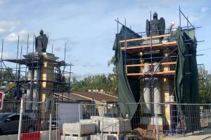 Завершена реставрация Смоленских ворот в Гатчине