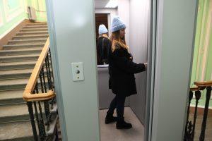 It's alive!: в петербургском «доме с привидениями» спустя 20 лет заработал лифт