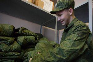 В октябре проходить военную службу отправятся 2600 петербуржцев
