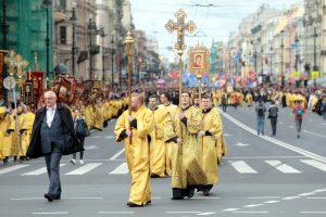 Крестный ход перекроет движение в центре Петербурга