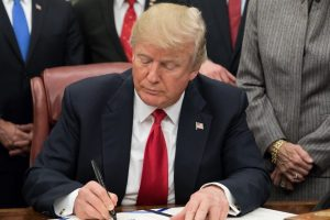 В США заявили о начале процедуры импичмента Трампа
