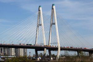 На Большом Обуховском мосту ограничат движение до конца осени