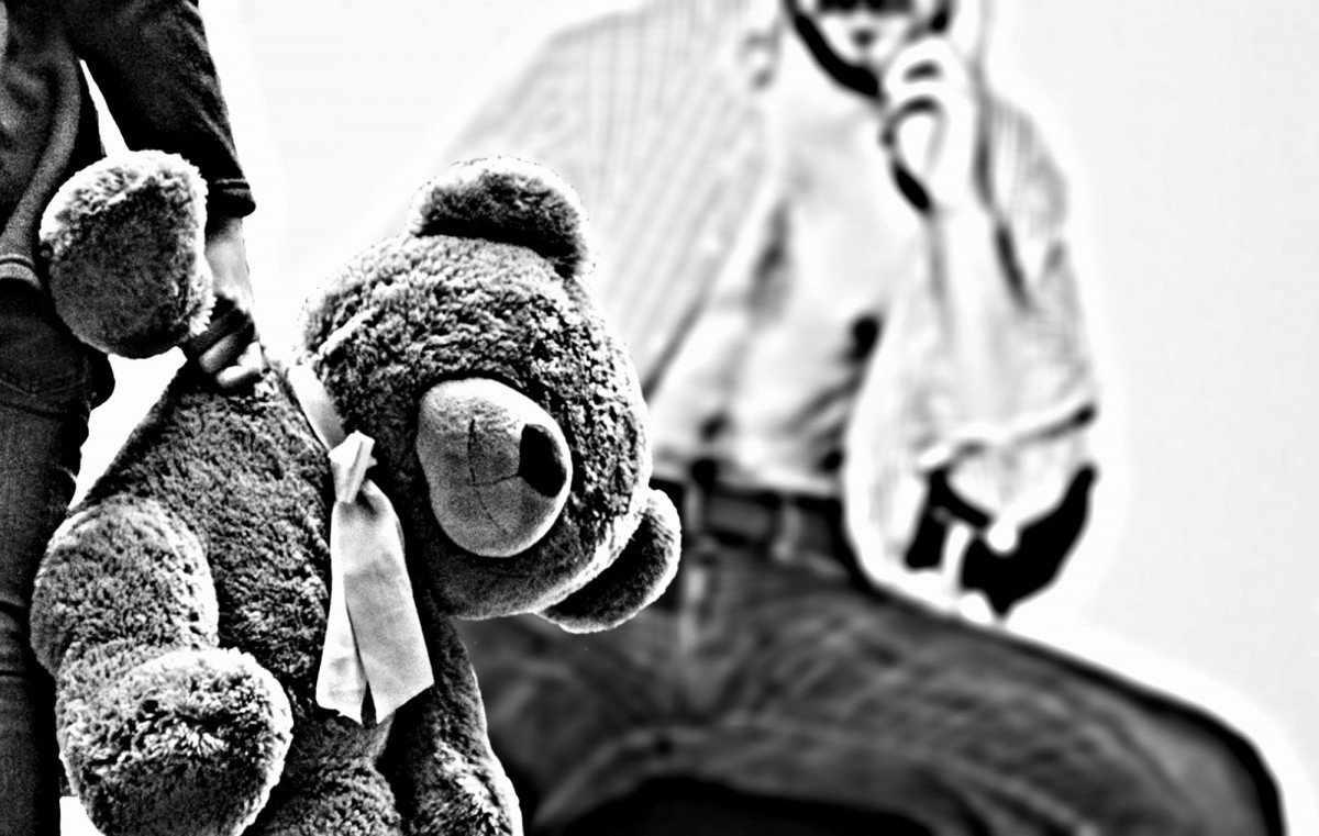 Жительница Хакасии позволила любовнику за деньги изнасиловать своих дочерей