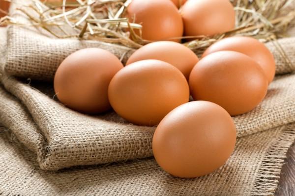 Кому нельзя есть яйца и почему?