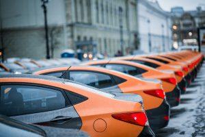 На Каменноостровском проспекте произошло ДТП с такси и каршерингом