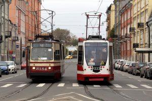 На Васильевском острове из-за ДТП встали трамваи