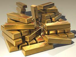 Воры вынесли из квартиры петербурженки редкую монету и золотой слиток