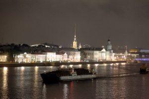 «Будем в ваннах по Неве рассекать»: в Петербурге продолжат борьбу с нарушениями на водоёмах