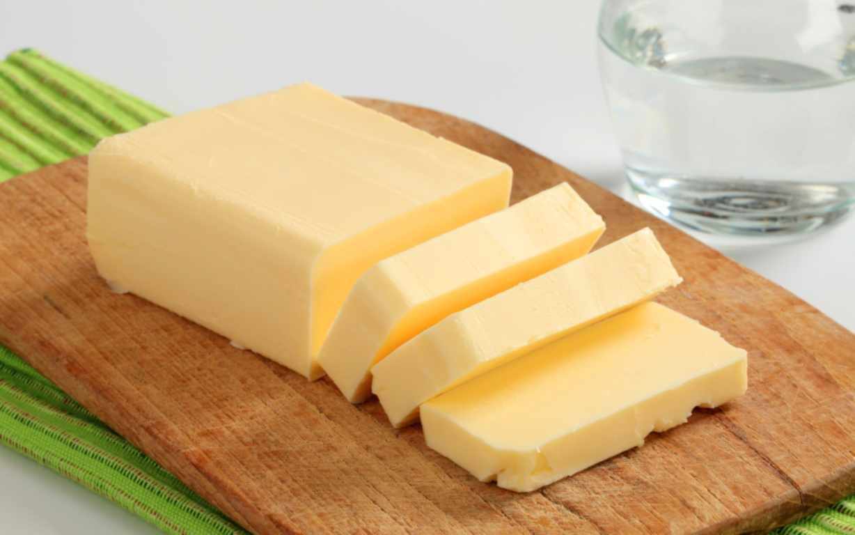 Большая часть марок российского сливочного масла объявлена подделкой