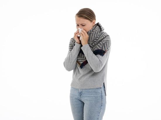 Онколог назвала симптомы рака: «Заложенность носа и головные боли»