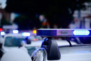 Ночью в Петербурге полицейские со стрельбой преследовали машину