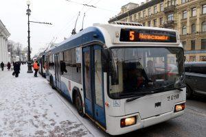 В Петербурге в новогоднюю ночь троллейбусы изменят маршруты