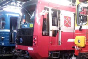В петербургском метро объяснили, почему на линии выходят разные модели поездов