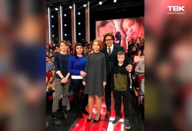 13-летняя беременная школьница и 10-летний отец ребенка побывали на шоу Андрея Малахова