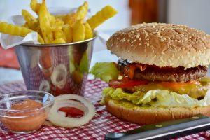 УФАС оштрафовало «Макдоналдс» на 100 тысяч из-за соуса