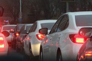 В Петербурге за год продажи автомобилей упали на 4%