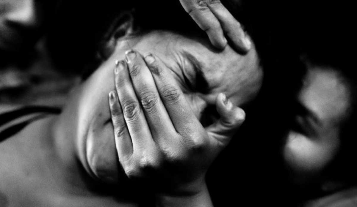 «Насиловали 11 дней и хоронили заживо»: пленница СБУ — о зверствах карателей Порошенко