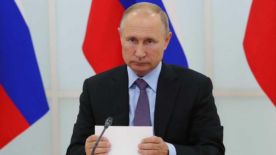 Петербурженка спросила Путина, как прожить на ее зарплату. Он согласился, что это трудно