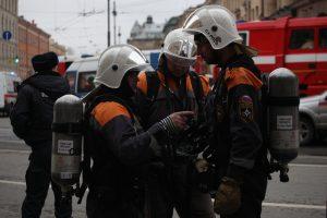 Петербуржцев напугали пожарные машины у Гостиного двора. Тревога оказалась ложной