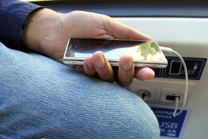 СМИ: На рынок мобильных телефонов вышел новый российский бренд
