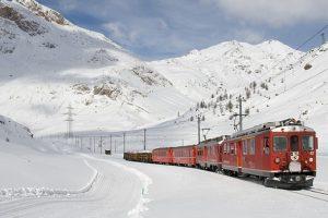 СМИ: В Финляндии оценили российский поезд для расчистки снега