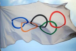 Огонь уехал в нечётный год: Олимпиада-2020 перенесена
