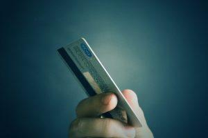 Жителей РФ предупредили о новом виде мошенничества с банковскими картами