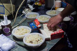 «Ночлежка» ищет волонтёров для помощи в развозке обедов