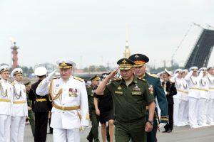 Губернатор Петербурга поздравил Сергея Шойгу с юбилеем