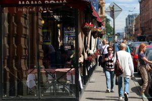 Летние кафе заработают в Петербурге с 29 июня